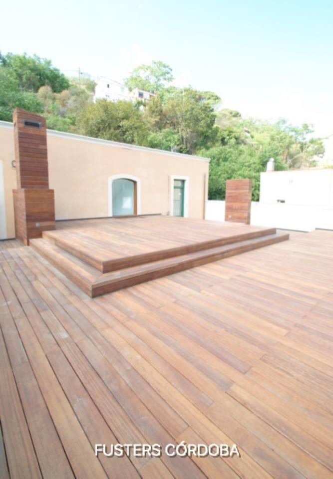 Tarima exterior madera maciza iroko barnizada for Tarima exterior precios